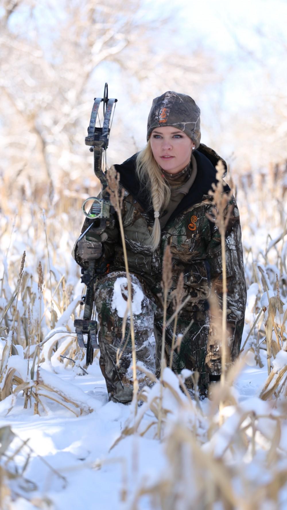 野性金髮美女|美國超正女兵「獵鹿達人」Theresa Vail