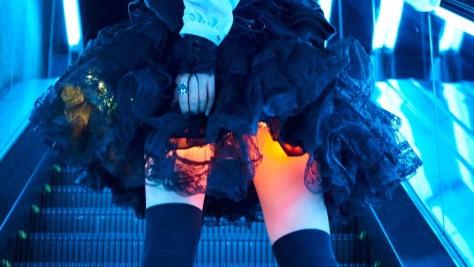 絶対領域拡張計画「光るスカート」